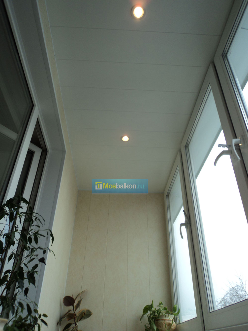 Вывод электроприборов и освещения на балкон.