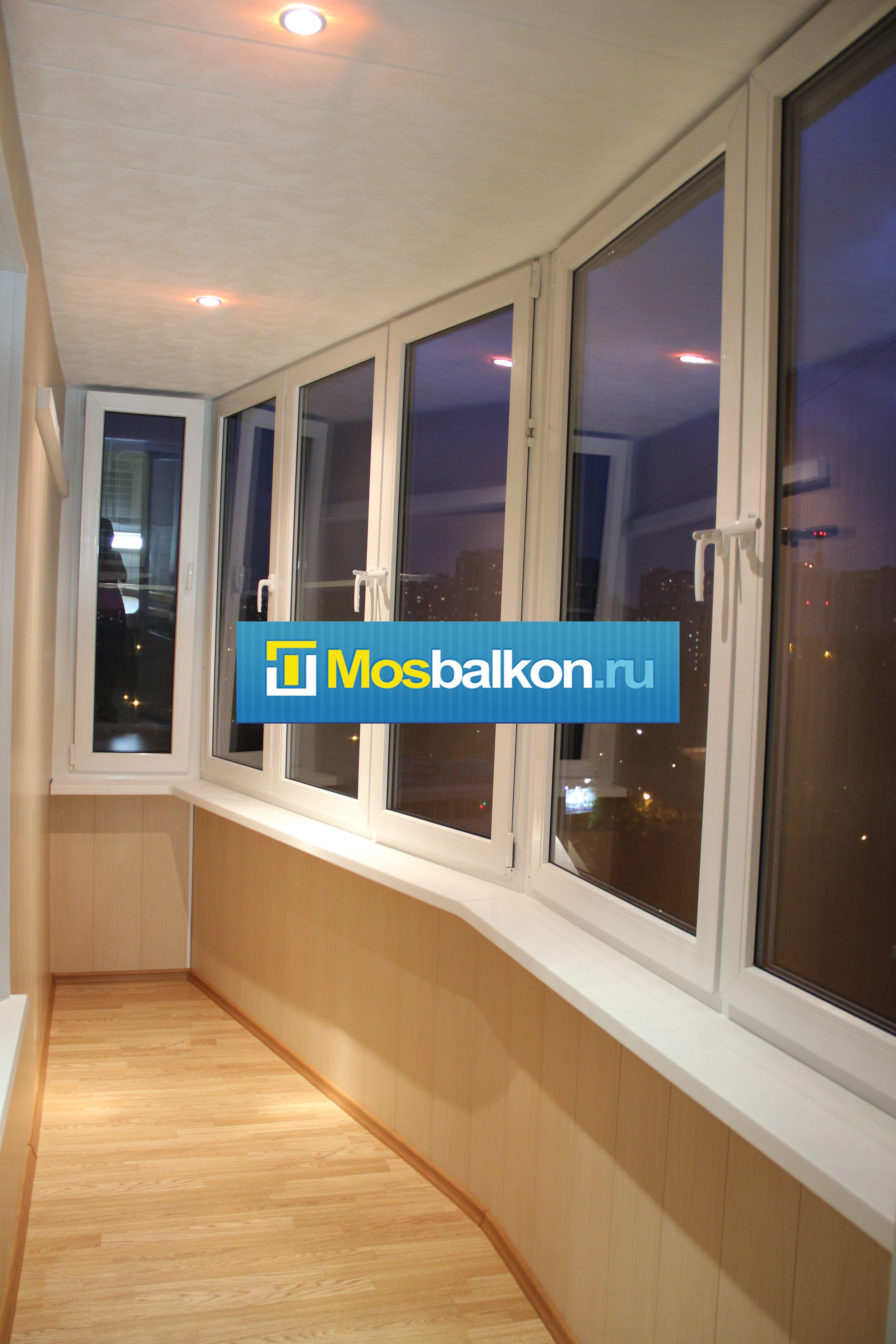 Остекление балконов пластиковыми окнами.