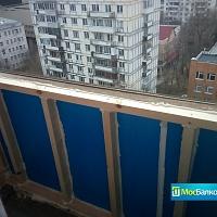 Каркас под пластиковое остекление на балконе.